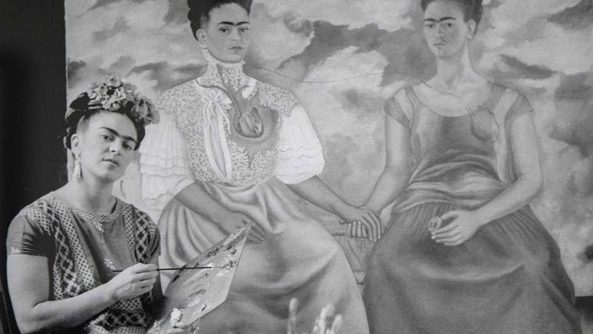 """Stories of Iconic Artworks: Frida Kahlo's """"The Two Fridas"""""""