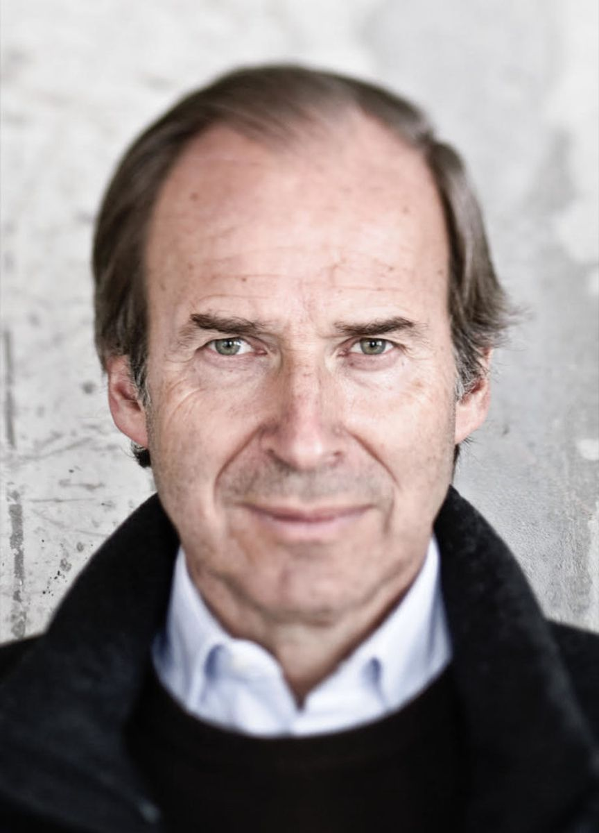 Auction Veteran Simon de Pury Is Quietly Returning to the Art Market as Artistic Director of a Gallery in the English Countryside