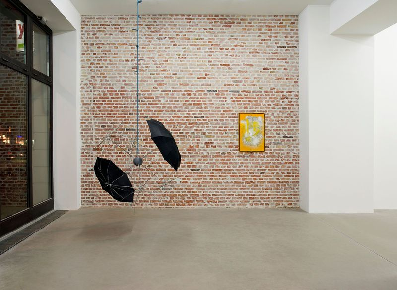 SIBYLLE JAZRA, LUKAS GLINKOWSKI — NOT SO A WHITE CUBE #2 (Group Exhibition), LAGE EGAL (4 of 6)
